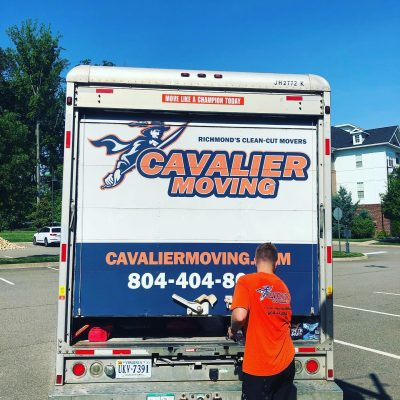 cavalier-moving-crew-closing-truck